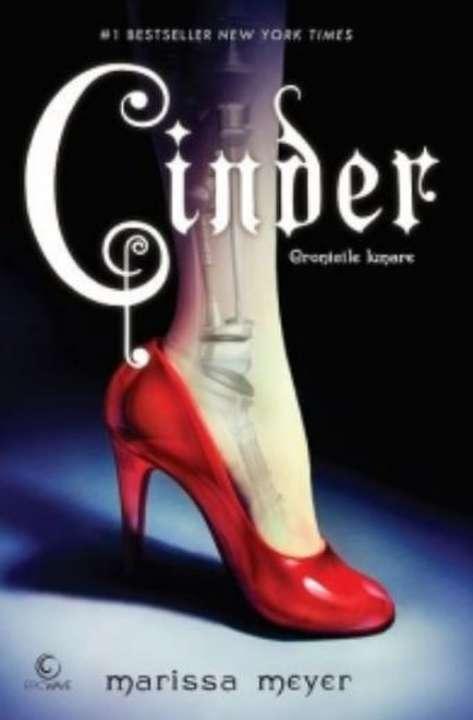 Cinder de Marissa Meyer-Editura Epica-recenzie