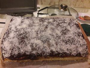prăjitură cu cremă de vanilie și nucă de cocos