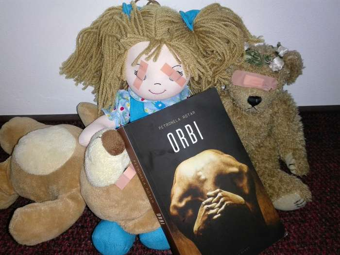 Orbi de Petronela Rotar | Tratat de neiubire a sinelui | recenzie