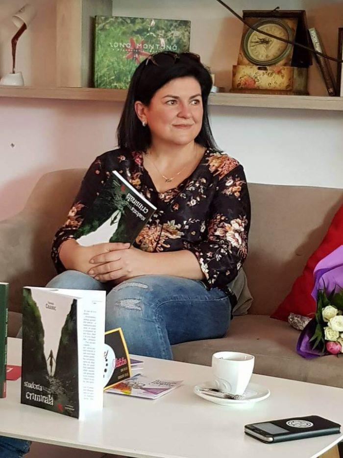 """Lansare """"Studenta criminală"""" la Timișoara"""