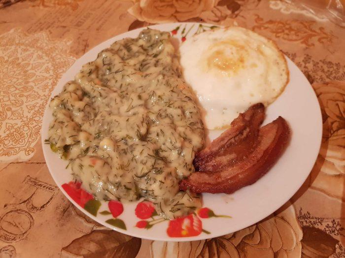Meniu:(supă cremă de dovleac, costiță cu sos de mărar, prăjitură Dunărea)