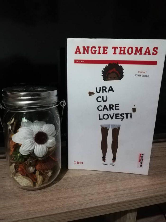 Ura cu care lovești de Angie Thomas-Editura Trei
