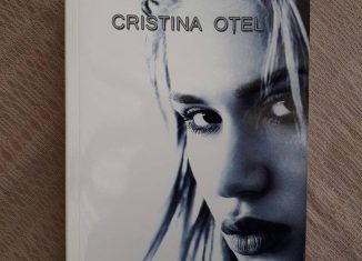 Hanoracul tău - Cristina Oțel - Editura Quantum Publishers
