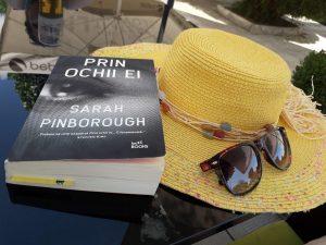 Prin ochii ei de Sarah Pinborough