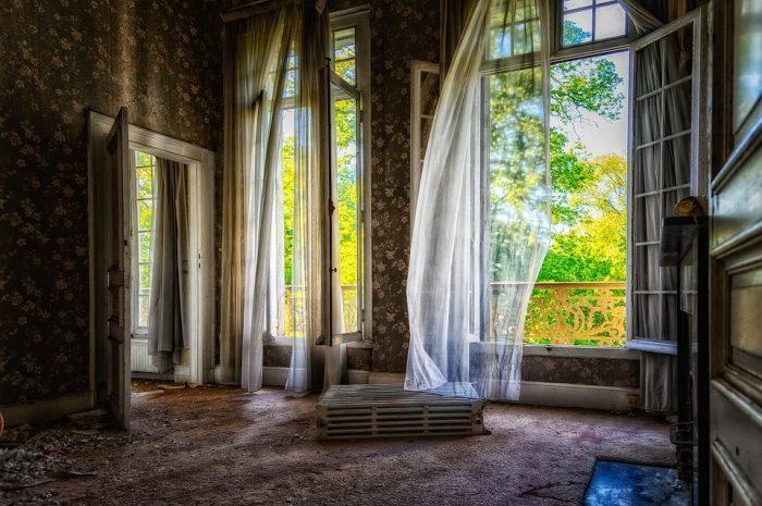 Casa păcatelor -Elisabeth Naughton - pasiuni întunecate