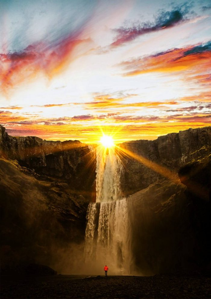 Ce faci când soarele răsare? - Singurătatea zorilor - poezii