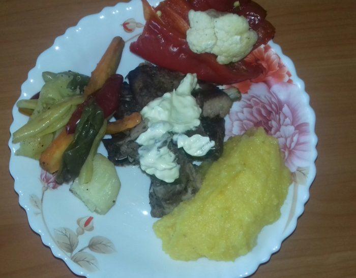 Scăriţă de porc la cuptor cu legume