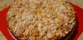 Prăjitură fragedă cu gem și nucă