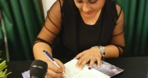 Interviu Ela E. H - Autori români