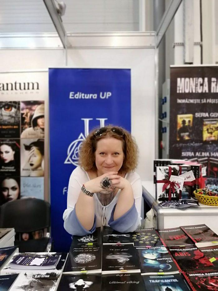 Interviu cu autoarea Oana Arion