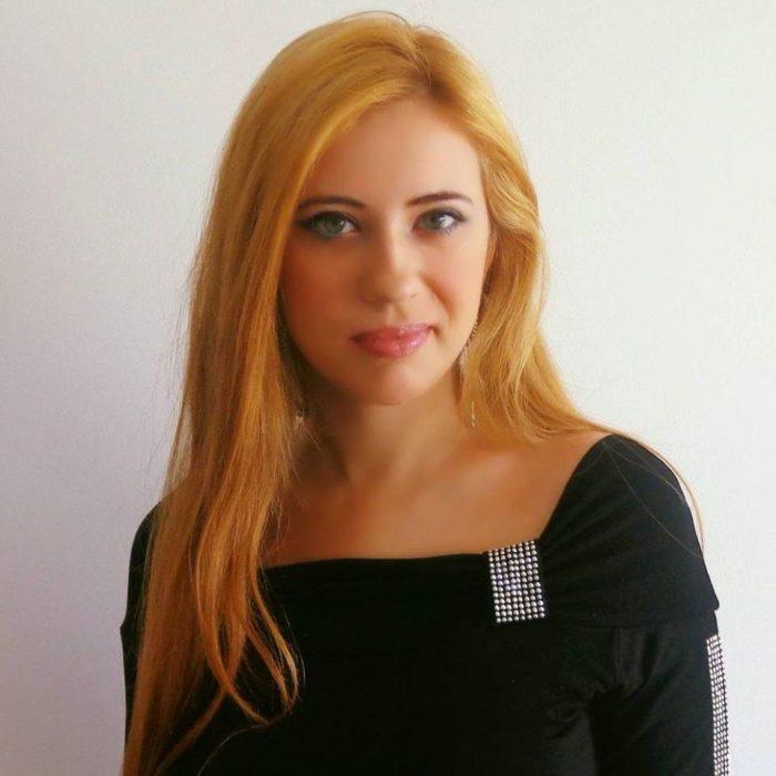 Interviu cu autoarea Tessa Nadir