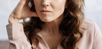 Femeia divorțată și etichetele sociale - Rubrica La vie en noir