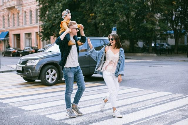 Ambivalență și autenticitate – Părinții, modele în viață-Rubrica La vie en noir