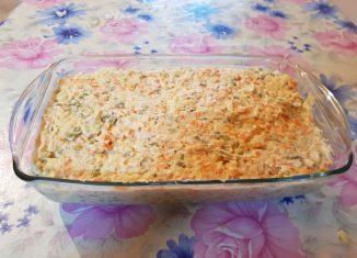 Salată - Supă de viţel - Tocăniță de vită în sos de ceapă - Budincă